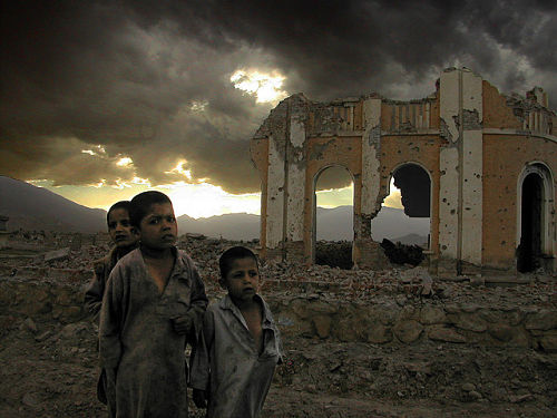 Kabul kids (Photo by Mark Knobil, flickr, CC BY 2.0)